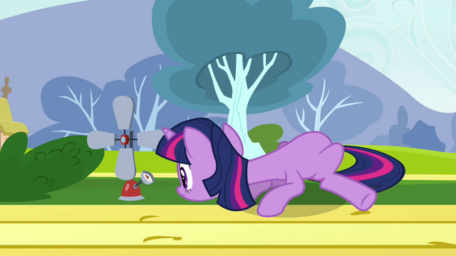 File:Twilight reading measurement for Fluttershy S2E22.png