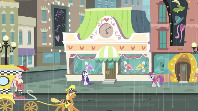 File:Alone Rarity stands S4E08.png