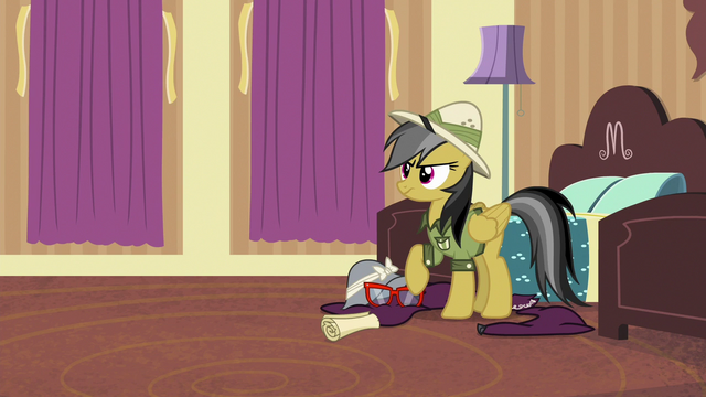 File:Daring Do hears a knock at the door S6E13.png
