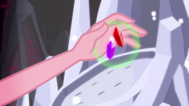 File:Gloriosa extracts the last two geodes from the spire EG4.png