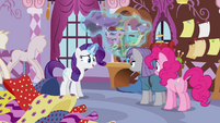 Rarity levitating fabrics S4E18