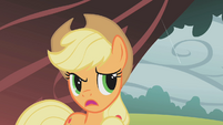 Applejack worried S01E08