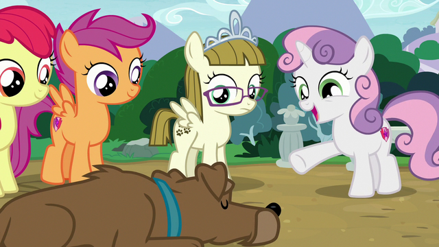 "File:Sweetie Belle ""I see a full-grown dog"" S7E6.png"