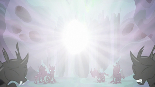 File:Thorax consumed by blinding light S6E26.png