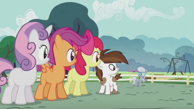 File:CMC and Pip look at Silver Spoon S5E18.png