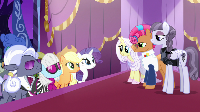 File:Contestant ponies waiting for the judges' votes S7E9.png