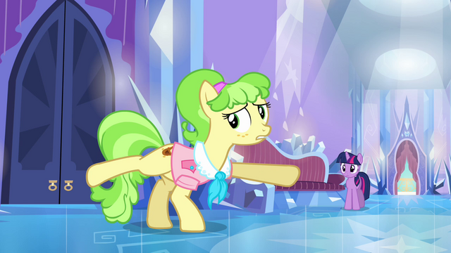 File:Ms. Peachbottom stretching S03E12.png