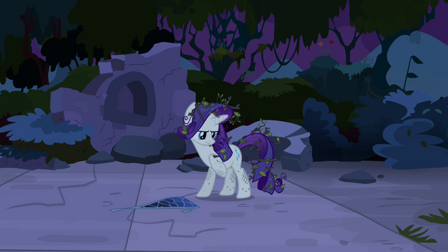 File:Rarity with leaves and twigs in her mane S4E03.png