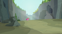 Pinkie Pie enters the Ghastly Gorge S7E4