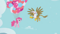 Gilda lags behind S01E05.png