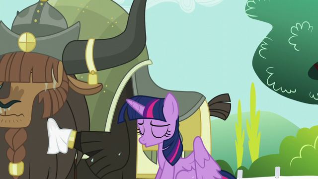 File:Twilight relieved S5E11.png