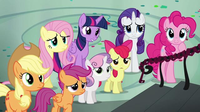 File:Rainbow's friends sympathetic S6E7.png