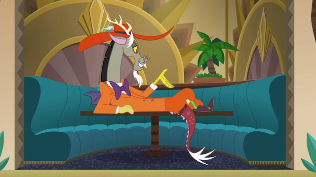 File:Discord lying on table S6E17.png