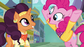 Pinkie continues singing for Saffron S6E12.png
