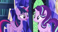 "Twilight Sparkle ""get to know Pinkie Pie better"" S6E21"