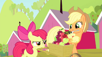 Applejack with a screwdriver S4E17