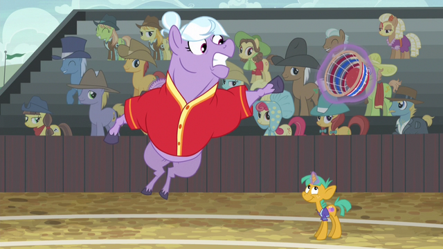 File:Appleloosa defender fails to catch Pinkie's shot S6E18.png