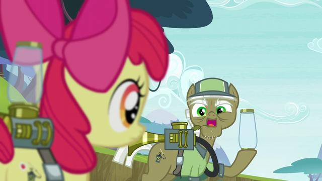 """File:Pest pony """"Call 'em back, of course"""" S5E04.png"""