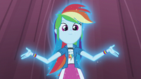 Rainbow Dash starting to glow on stage EG3