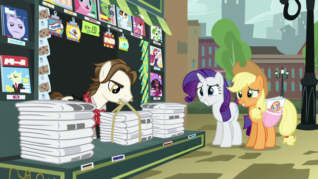 File:Rarity asking Newspaper Pony for help S5E16.png