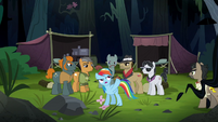 Rainbow pointing at the jungle S6E13