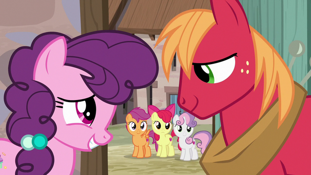 File:Sugar Belle and Big McIntosh happy together S7E8.png
