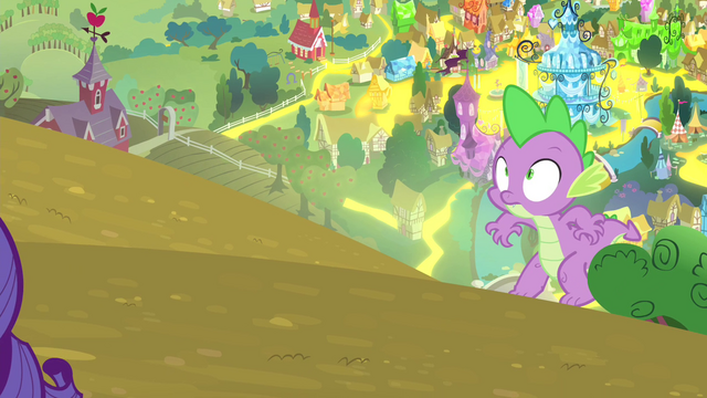 File:Spike sneaking up on Rarity S4E23.png