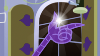 Opposite Discord snapping his claws S6E17