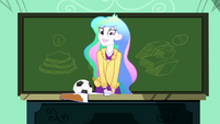 Celestia smiling awkwardly at the class SS8