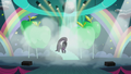 Coloratura continues walking down stairs while flipping her mane S5E24.png