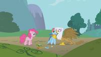 Gilda giving Rainbow Dash a hug S1E5