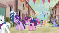 Starlight Glimmer going off with villager ponies S6E26