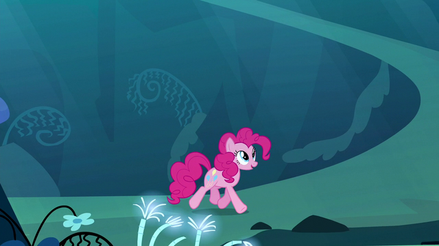 File:Pinkie trotting through the dream Mirror Pool S5E13.png