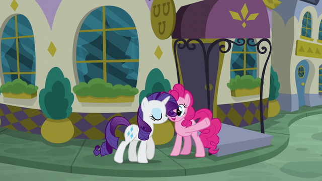 File:Rarity about to enter the restaurant S6E12.png