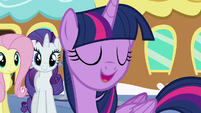 "Twilight ""let's go see this amazing baby pony!"" S6E1"