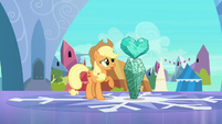 Applejack with fake Crystal Heart S3E1