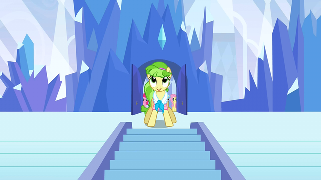 File:Ms. Peachbottom is happy to finally be outside S3E12.png