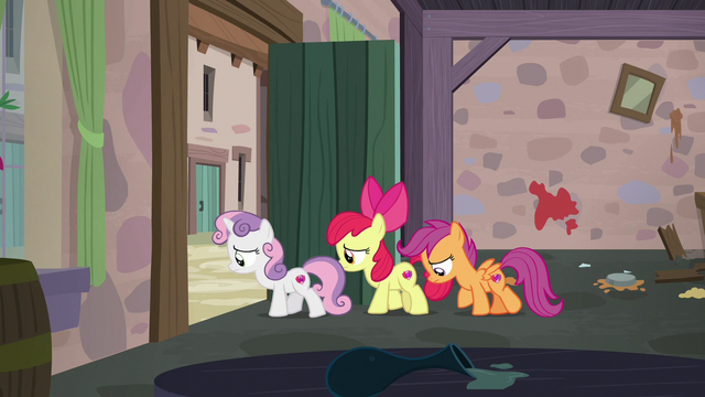 File:Cutie Mark Crusaders leaving Sugar Belle's bakery S7E8.png