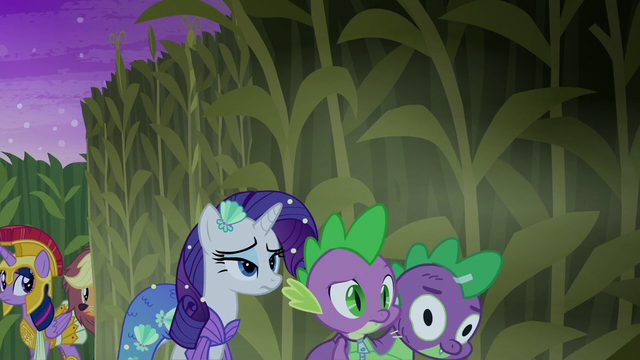 File:Rarity and Spike turning a corner S5E21.png