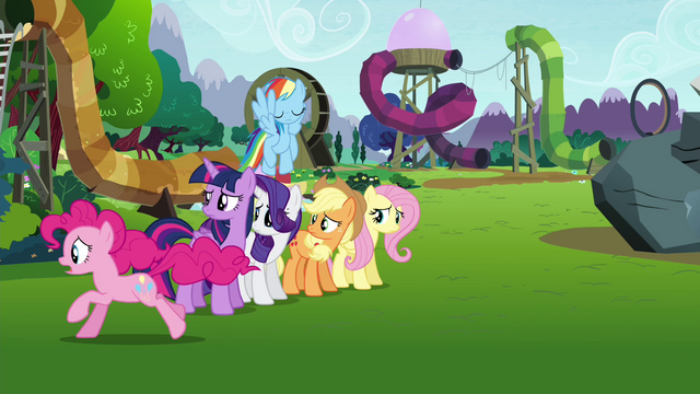File:Pinkie Pie catching up with Maud S4E18.png