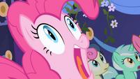 Pinkie Pie screams S01E01