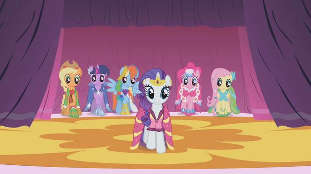 ไฟล์:Rarity's Dresses S1E14.png