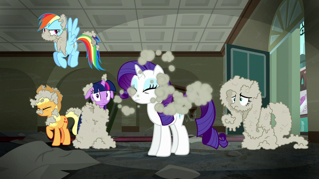 File:Rarity shakes the dust off of her S6E9.png