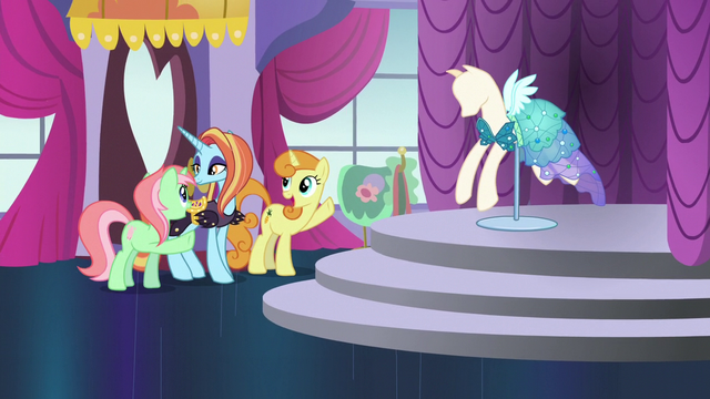 File:Sassy brings in mannequin with Princess Dress S5E14.png