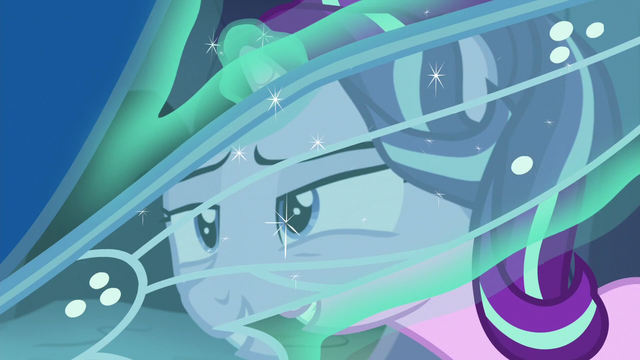 File:Starlight Changeling sees through changeling's wing S7E1.png