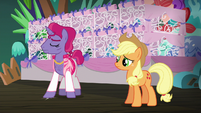 Trainer 2 stamping his hoof S6E20