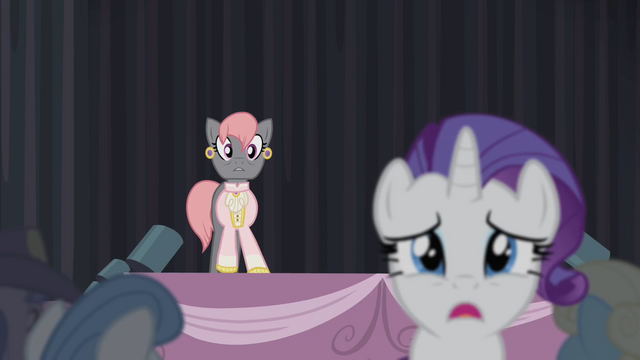File:Rarity leaves the stage S4E08.png