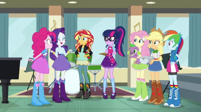 File:Rarity rallying her friends together EGS1.png