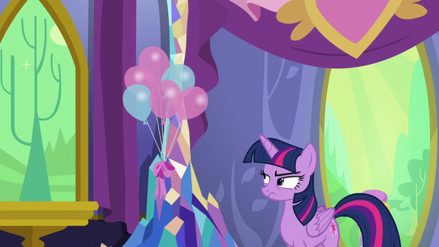 File:Twilight Sparkle annoyed by Discord's antics S7E1.png