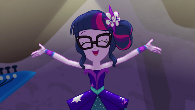 File:Twilight Sparkle singing her heart out EG4.png